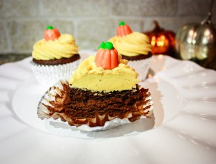 Chocolate Pumpkin Cupcakes-6
