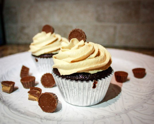 Reese's Peanut Butter Cupcakes-4