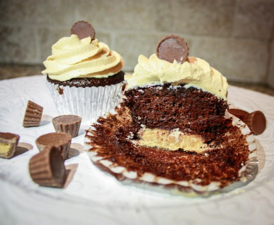 Reese's Peanut Butter Cupcakes-5