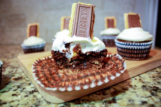 Peanut Butter S'mores Cupcakes-2352